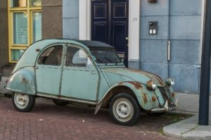 coche grua municipal abandonado barcelona