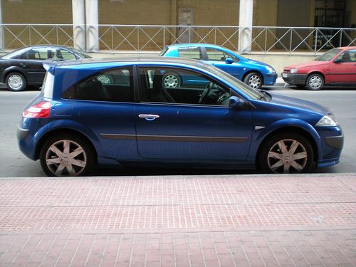 Renault Megane aparcado